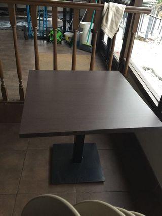 Sillas y mesas bar