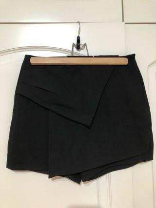 Minifalda pantalón de Zara