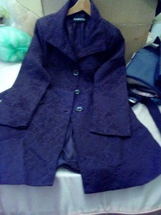 abrigo de brocado marron