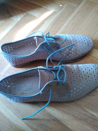 Zapatos talla 37 de segunda mano por 5 € en Das Arieiras en