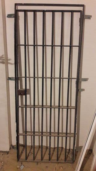 Puertas de rejas de segunda mano en wallapop for Puertas de paso segunda mano