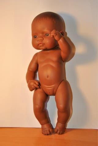 Muñeca negrita bebe Miniland