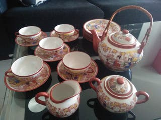 Juego de té/café porcelana pintado a mano.
