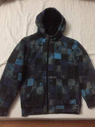 Abrigo niño talla 8-10 años marca Quicksilver