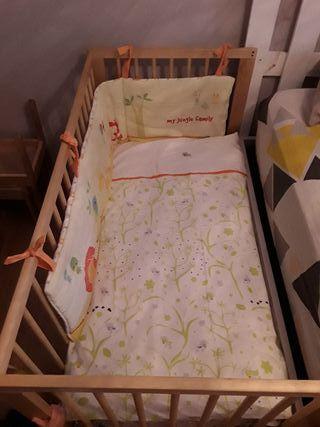 Cuna Gulliver Ikea con regalo nórdico y ropa cuna