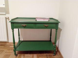 Mueble vintage restaurado, color verde