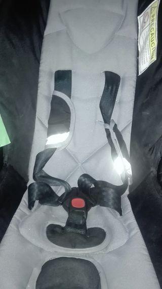 silla y transportin kidy de bebe