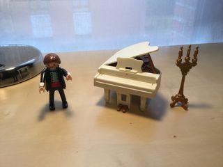 Playmobil pianista