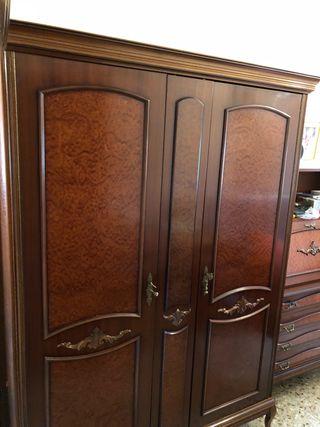 Armario mueble clasico