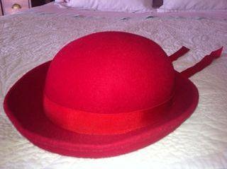 Sombrero fieltro rojo para niña
