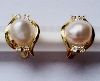 Pendientes ORO con perla y zafiro blanco