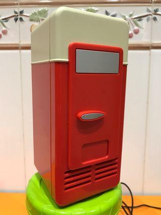 Mini nevera USB vintage