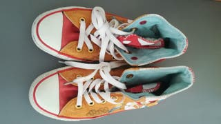 CONVERSE ALL STAR RED ARTIST EDITION EU 35 UK 3