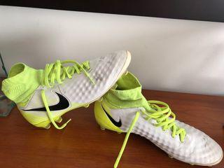 Botas de fútbol Nike Magista de segunda mano en la provincia de ... 026ea635a7568