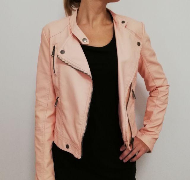 disfruta del envío gratis buena textura varios diseños Cazadora cuero rosa. de segunda mano por 25 € en Zaragoza en ...
