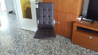 Cuatro sillas d comedor!