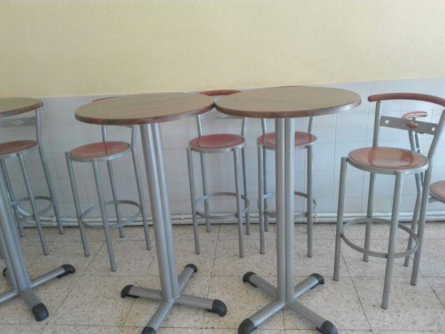 Mesas altas y taburetes de segunda mano por 50 € en Benavente en ...