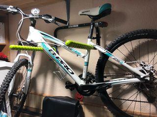 NUEVA REBAJA!! Bicicleta B-PRO solo se usó 1 día.
