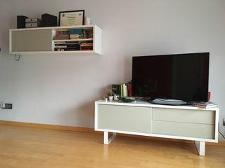 Mueble para la TV y estantería a conjunto