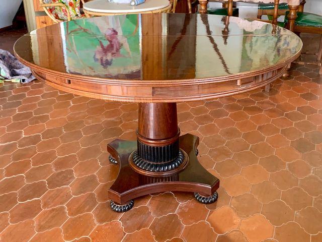 Mesa comedor redonda extensible madera maciza de segunda mano por ...
