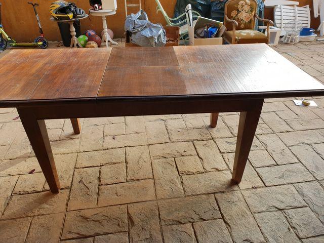 Mesa comedor madera maciza extensible. de segunda mano por 175 € en ...