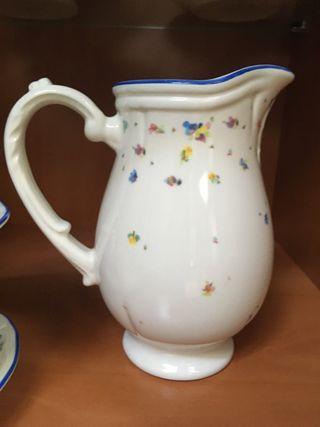 Juego de té de porcelana clasico