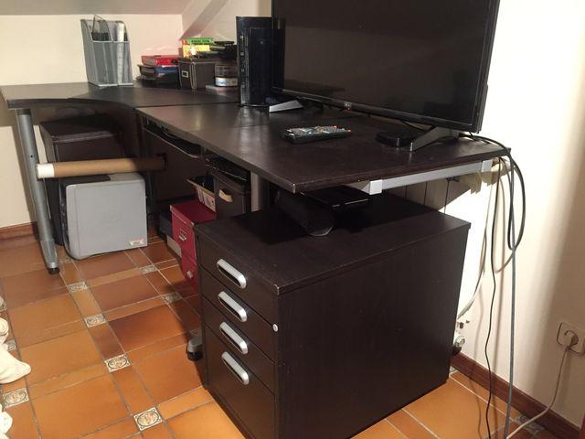 Mesa despacho IKEA con cajonera con ala de 0,60