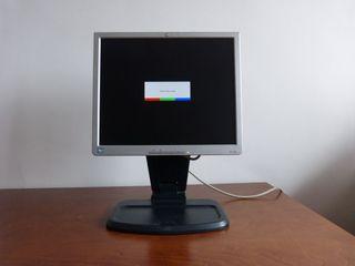 Monitor / Pantalla ordenador HP 1740. Rotación.(1)