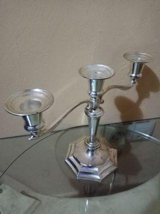 Candelabro ingles para tres velas de plata en zinc