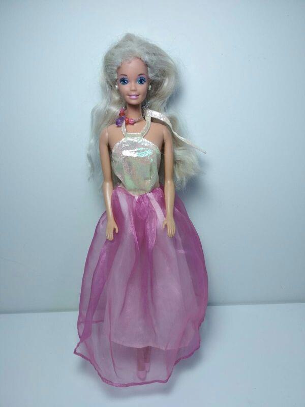 4 Vestidos Para Barbies No Marca Barbie De Segunda Mano