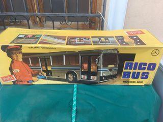 Autobús de Rico