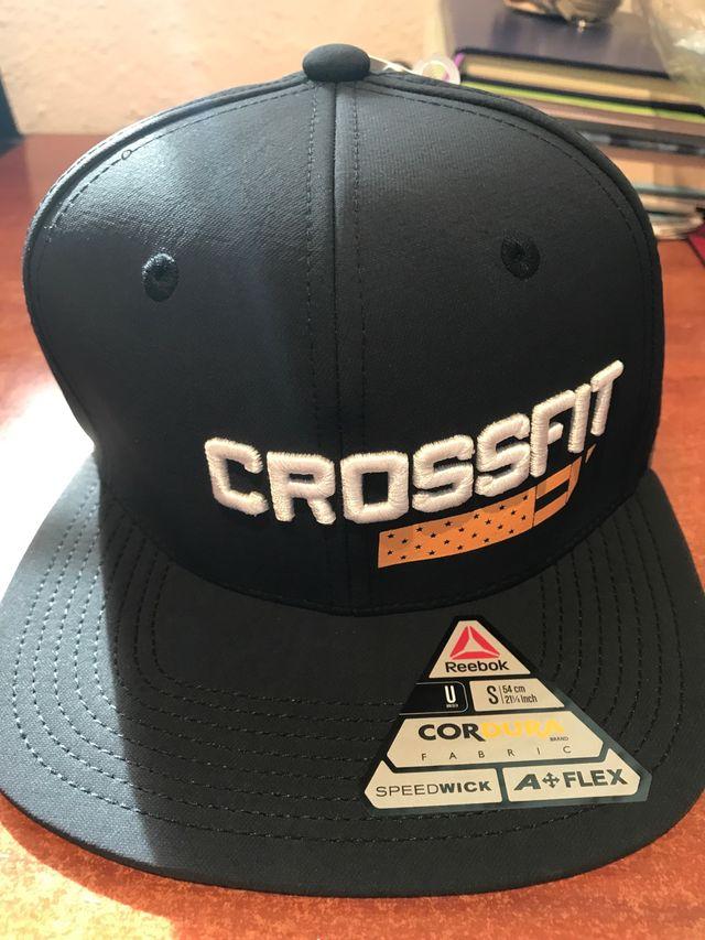 Gorra Reebok Crossfit de segunda mano por 15 € en Barcelona en WALLAPOP 3bb8030e2e4