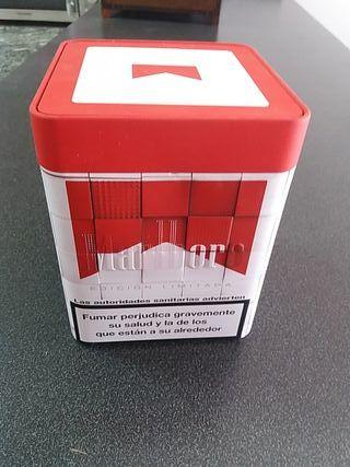 Caja metálica Marlboro