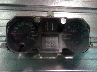 cuadro Mitsubishi montero 2.8