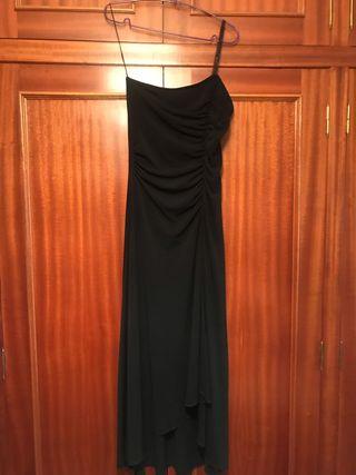 Vestido negro ideal para fiestas