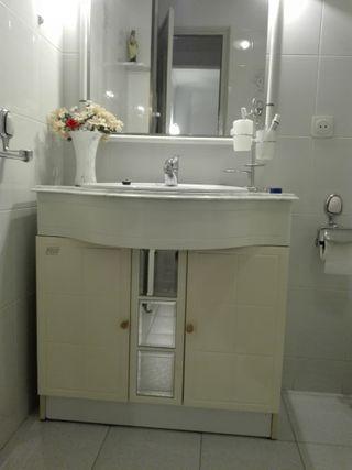 Mueble baño+espejo+pica roca+grifo monomando