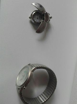 reloj pulsera y reloj colgante
