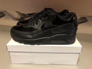 Nike Air Max en negro