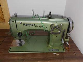 Máquina de coser Refrey de segunda mano en WALLAPOP
