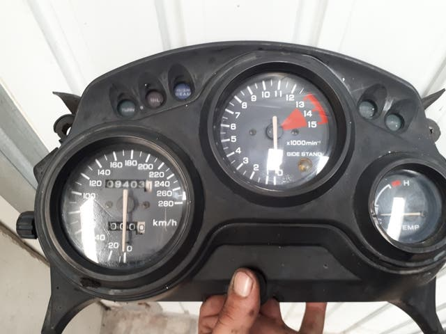Relojes Honda Cbr 600f Con 9800km De Segunda Mano Por 1 En