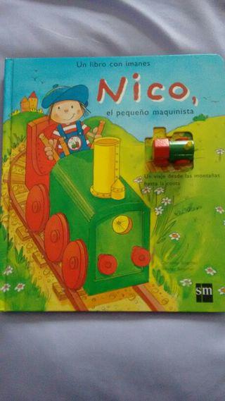 Libro con imanes Nico el pequeño maquinista