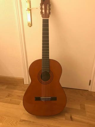 Gran Guitarra Admira Modelo Sonia