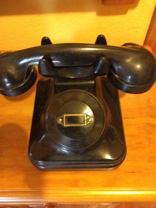 Teléfono de baquelita