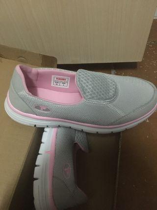 Zapatos paredes
