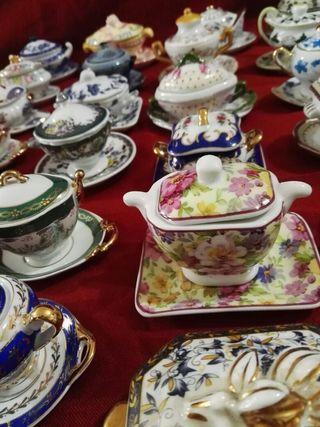 colección de soperas de cerámica,en miniaturas