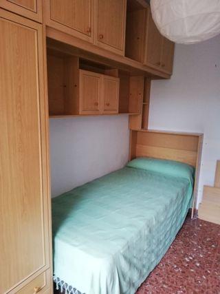 habitación juvenil. muebles