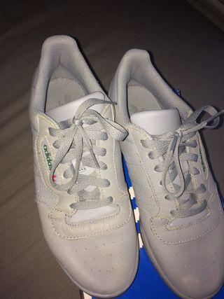 Adidas calabasas yeezy powerphase