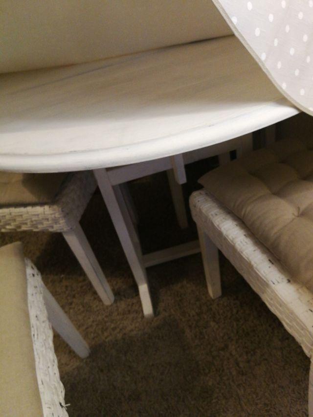 Mesa plegable de comedor y 4 sillas de segunda mano por 300 € en ...