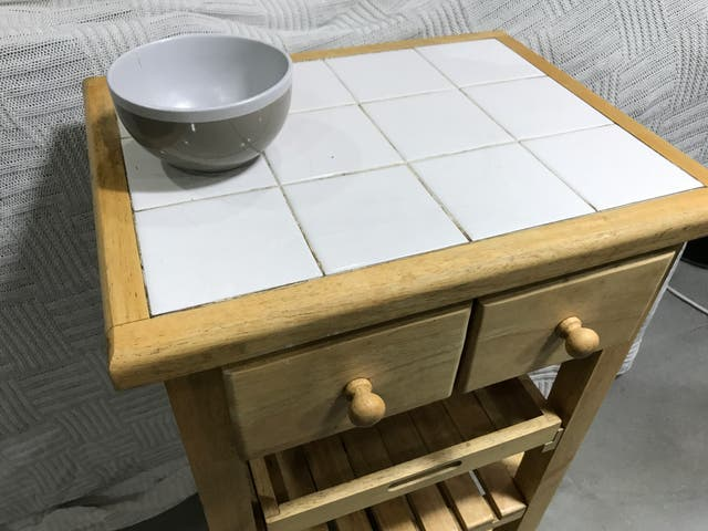 Mueble de cocina auxiliar madera maciza de segunda mano por 100 € en ...