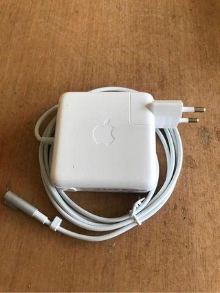Cargador de macbook pro 3 meses de garantia